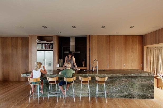 Contemporary Kitchen by Bull O'Sullivan Architecture Limited