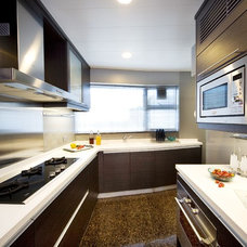 Modern Kitchen by S.I.D.Ltd.