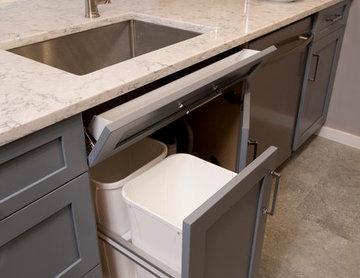 Hardworking sink cabinet