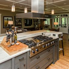 Contemporary Kitchen by Trey Cole Design & Construction