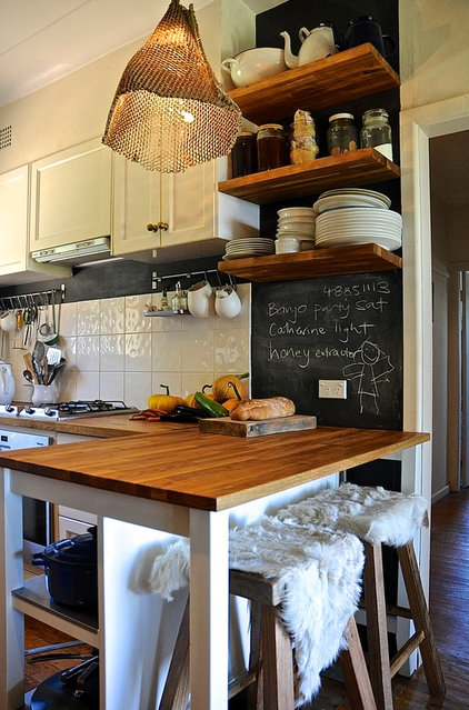 Rustic Kitchen by Luci.D Interiors