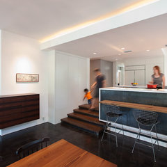 modern kitchen by Hugh Jefferson Randolph Architects