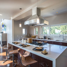 Contemporary Kitchen by HomeStage