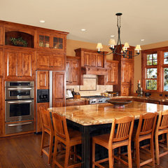traditional kitchen by Wingren Design