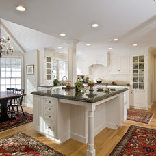 Traditional Kitchen by Holland Kitchens & Baths