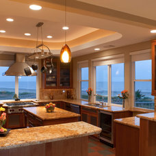 Contemporary Kitchen by David Mullican, Architect