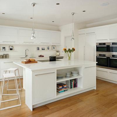 Trendy kitchen photo in London