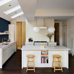 Kitchen - contemporary kitchen idea in London