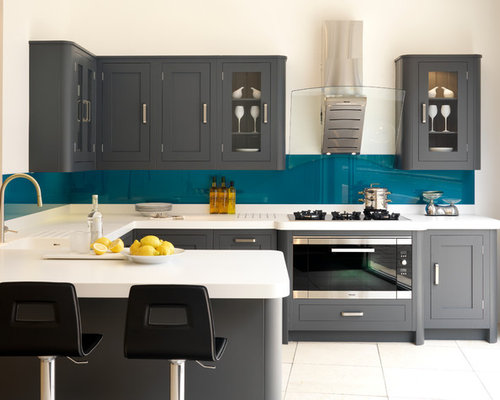 Inspiration For A Transitional U Shaped Kitchen Remodel In London With An  Integrated Sink,
