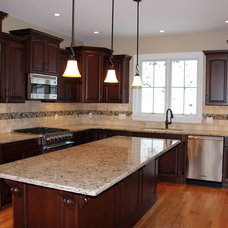 Traditional Kitchen by 1 Week Kitchens