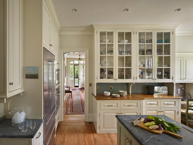 Traditional Kitchen by Rasmussen / Su Architects