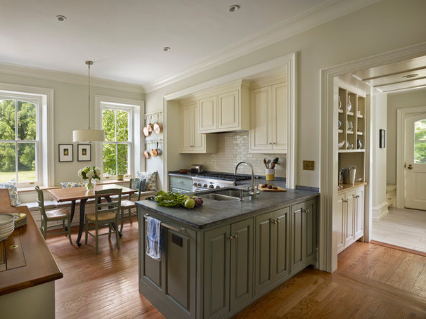 Traditional Kitchen by Rasmussen / Su Architects