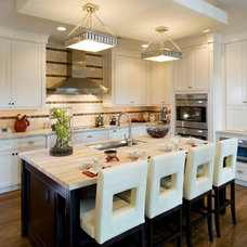 Contemporary Kitchen by Guidi Homes