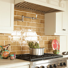 Tropical Kitchen by Chelsea Court Designs