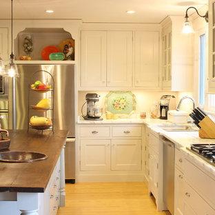 Elegant kitchen photo in Nashville with stainless steel appliances