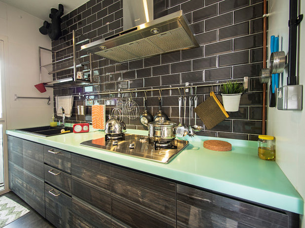 Industrial Kitchen by Dwelling Interior Concepts Pte Ltd