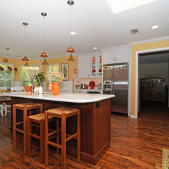 traditional kitchen by Elise M Connor, CKD - S&W Kitchens, Inc.