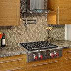 Oak Kitchen Cabinets | Shaker Door Style | CliqStudios - Contemporary - Kitchen - Minneapolis ...