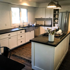 Lynden, WA. Custom Transitional Kitchen Cabinets