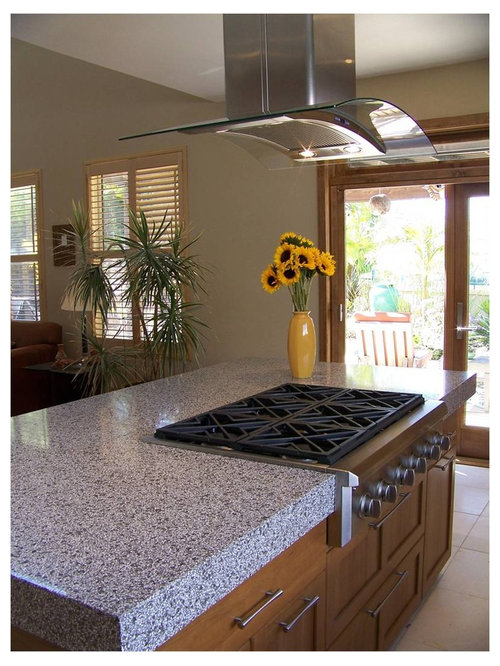 cuisine r tro avec un plan de travail en terrazzo photos et id es d co de cuisines. Black Bedroom Furniture Sets. Home Design Ideas