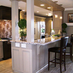 contemporary kitchen by Design Moe Kitchen & Bath / Heather Moe designer
