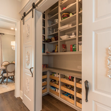 HEIGHTS PANTRY