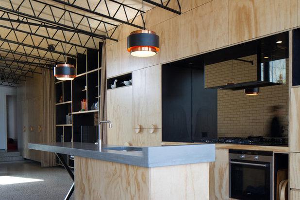 インダストリアル キッチン by OOF! Architecture