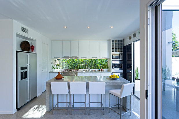 Contemporary Kitchen by Civic Steel Homes