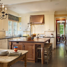 Traditional Kitchen by Charter Construction