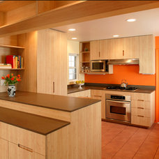 Modern Kitchen by HERE Design and Architecture