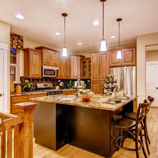 Traditional Kitchen by Wonderland Homes