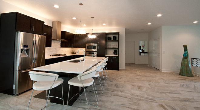 Modern Kitchen by Marc Kris Modern Homes