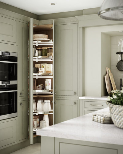 Traditional Kitchen by Wickes