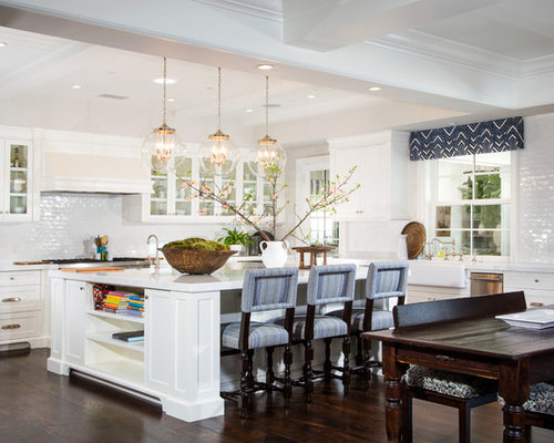 Square island home design ideas pictures remodel and decor for Square kitchen designs with island
