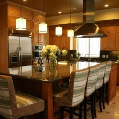 contemporary kitchen by HERMOGENO DESIGNS