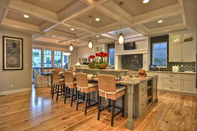 Beach Style Kitchen by Maison Luxe