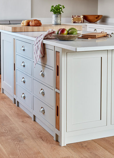 Country Kitchen by Naked Kitchens