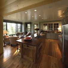 Traditional Kitchen by Platt Architecture, PA