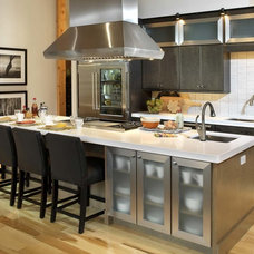 Contemporary Kitchen by Gristmill Builders, LTD