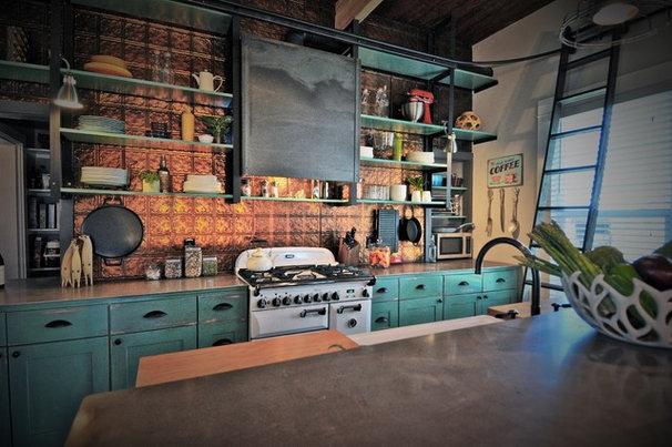 Farmhouse Kitchen by ísARK Studio