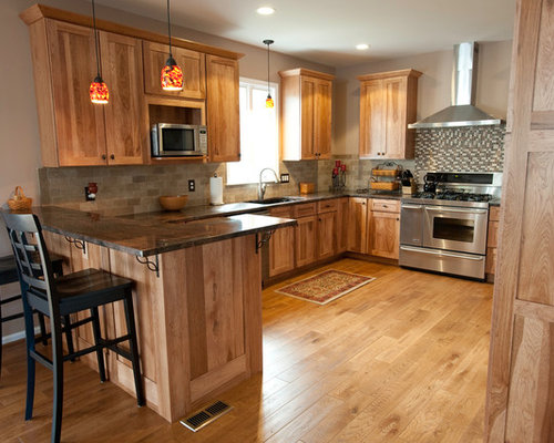 Hickory Cabinets Kitchen With Indian Dakota Granite