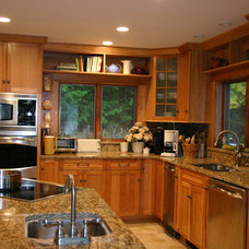 Traditional Kitchen by Beauchain Builders, Inc