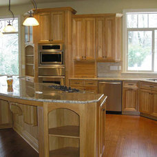 traditional kitchen by F&C Custom Cabinets Inc