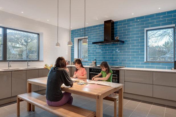 Modern Kitchen by van Ellen + Sheryn Architects