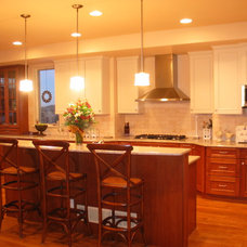 Traditional Kitchen by High Country Kitchens