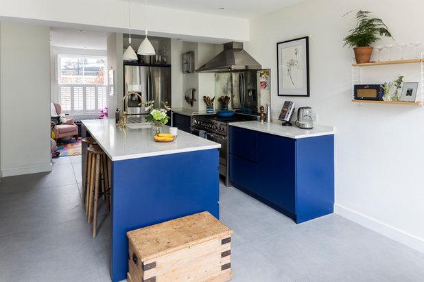 Traditional Kitchen by Black Oak Builders Ltd.