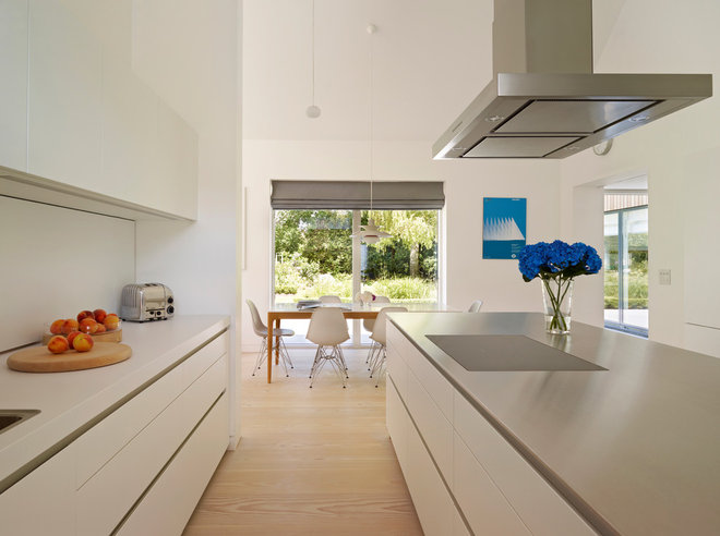 Moderne Cuisine by bulthaup by Kitchen Architecture