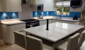 High Gloss & Textured Wood kitchen in Broadlands, Bridgend.
