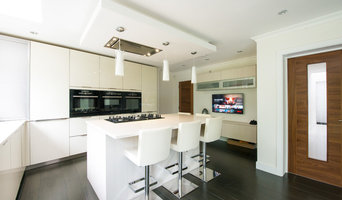 High Gloss, Handleless Kitchen