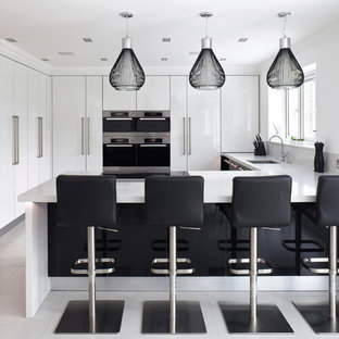 High gloss monochrome kitchen with Island
